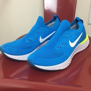 Nike epic react size 4.5 youth blue and green